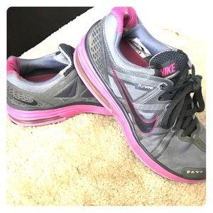 Nike Sneaker Size 8